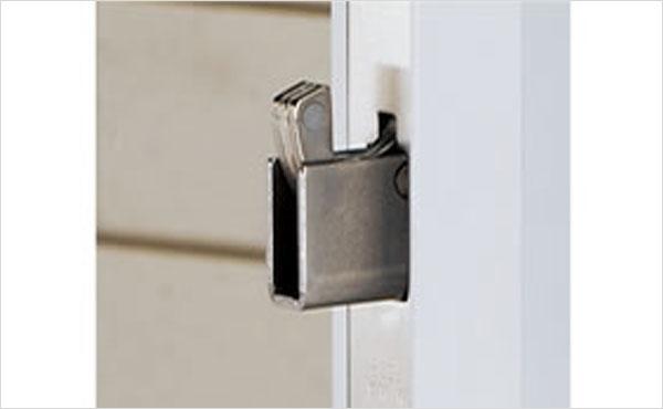 こじ開けに強い抵抗力発揮する鍵錠